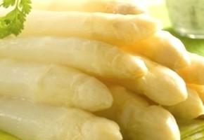 asperges et leurs petites sauces