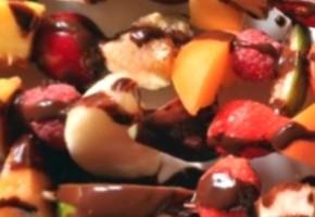 brochettes de fruits frais au chocolat
