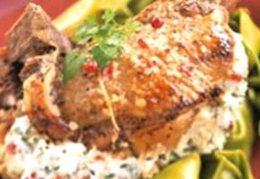 côte de porc farcie au chèvre et citron
