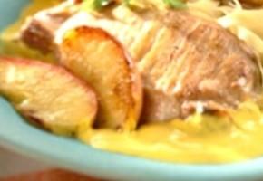 côtes de porc aux pommes et sauce curry
