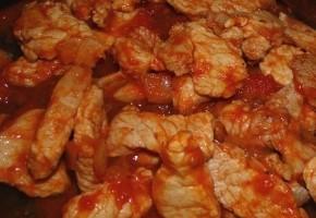 emincé de porc aux tomates