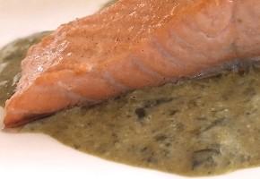 filet de saumon fumé et pommes de terre à la crème d'oseille