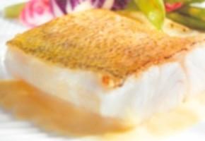 filets de sandre à la sauce riesling et aux mirabelles