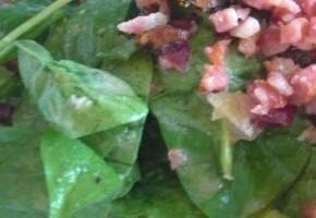 salade d'épinards sauce au bleu