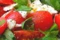 salade tomate, mozzarella et basilic