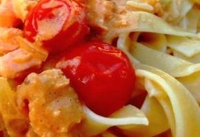 tagliatelles au saumon et à la tomate